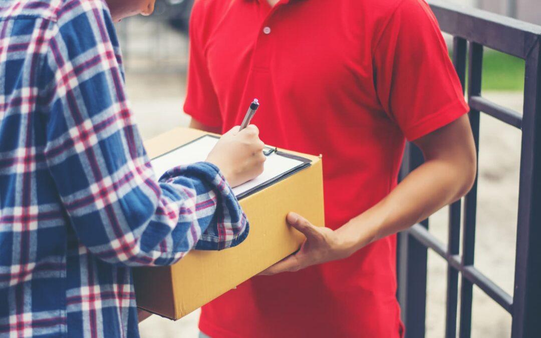 contratación de una empresa de paquetería
